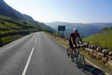 Cylcing up to Pen y Pass